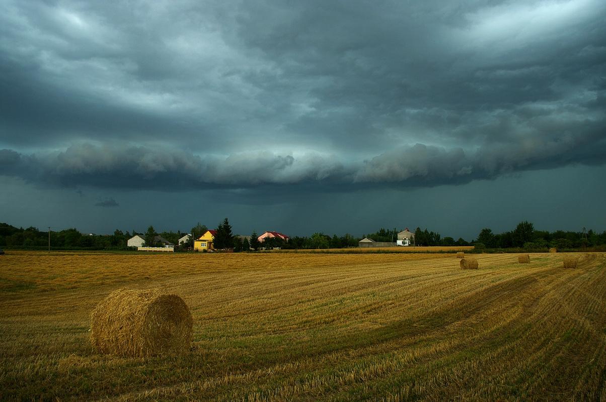 Chmura burzowa, Miłków, woj. świętokrzyskie