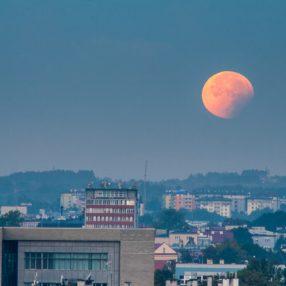 Krwawy ksieżyc, wrzesień 2015, Rzeszów, fotograf Paweł Litwin