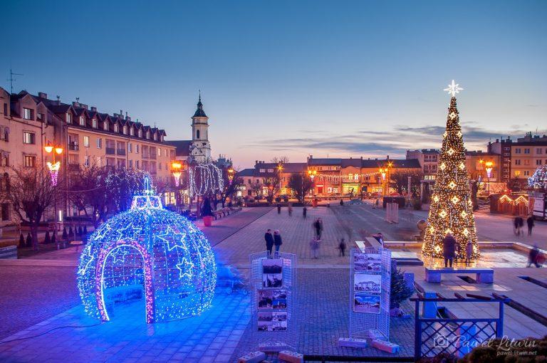 Ostrowiec Świętokrzyski, rynek w Boże Narodzenie